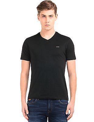 Ed Hardy Regular Fit V-Neck T-Shirt