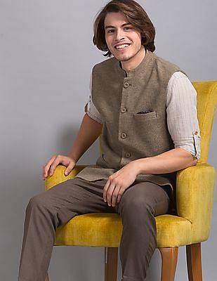 True Blue Brown Slim Fit Textured Knit Bandi