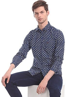 U.S. Polo Assn. Denim Co. Blue Spread Collar Star Print Shirt