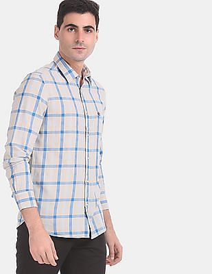 Arrow Sports Men Beige And Blue Mitered Cuff Check Casual Shirt