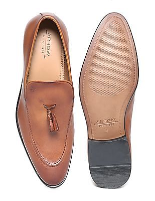 Arrow Tassel Trim Leather Loafers