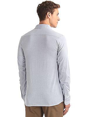 USPA Tailored Slim Fit Knit Shirt